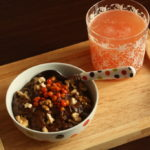 Mic dejun sanatos: budinca raw de cacao