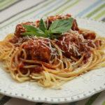 Spaghetti cu chiftelute de curcan