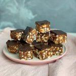 Batoane vegane cu ciocolata si arahide
