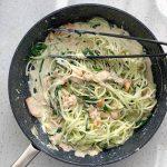 Spaghete de dovlecei cu sos alb si somon (P)