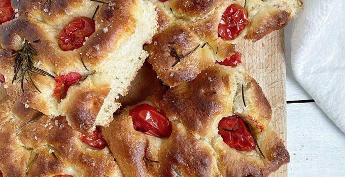 Focaccia cu rosii cherry si ulei de masline (P)