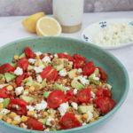 Salata cu grau spelta, porumb si rosii coapte