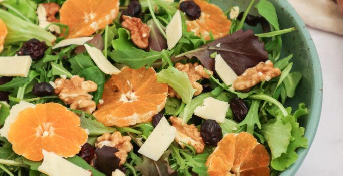 Salata cu nuci si clementine